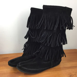Minnetonka 7 Black Suede Leather Three layer boots